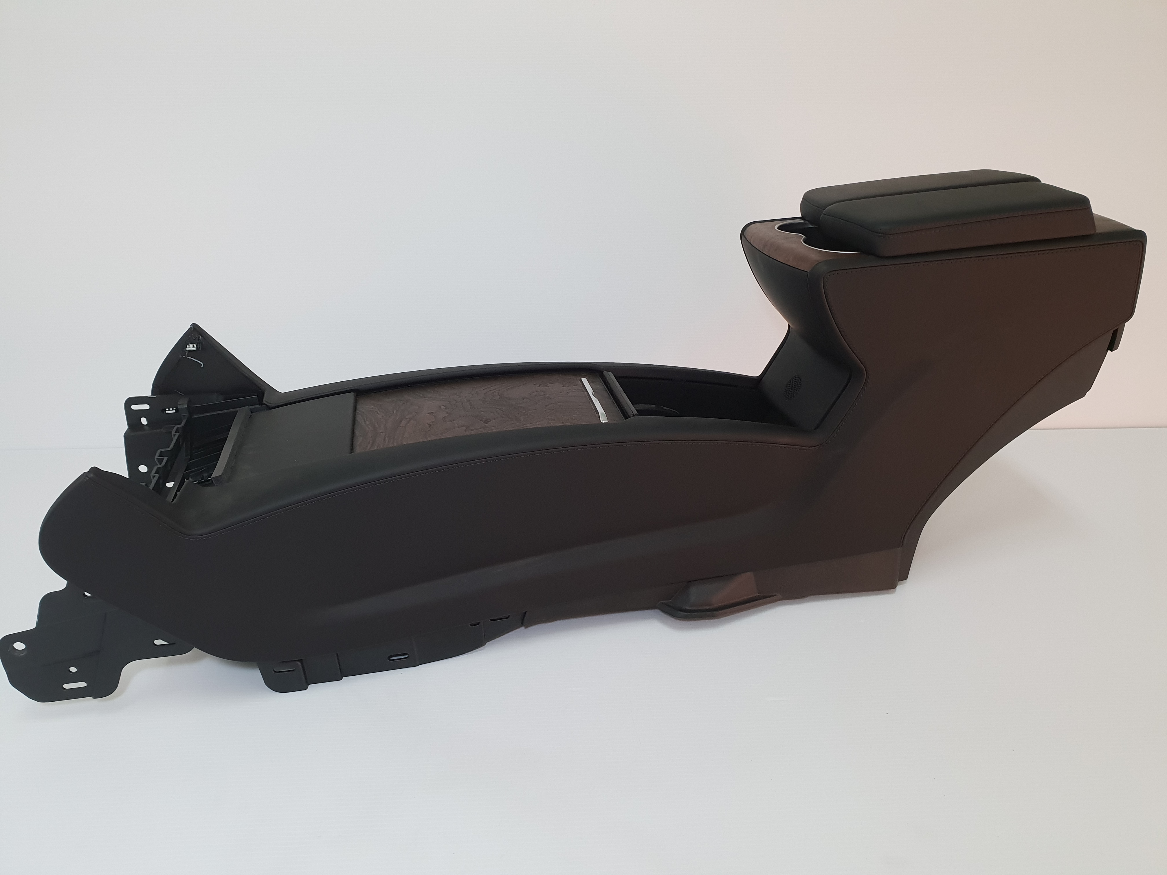 Tesla Model X 2017 - Center Console Assembly
